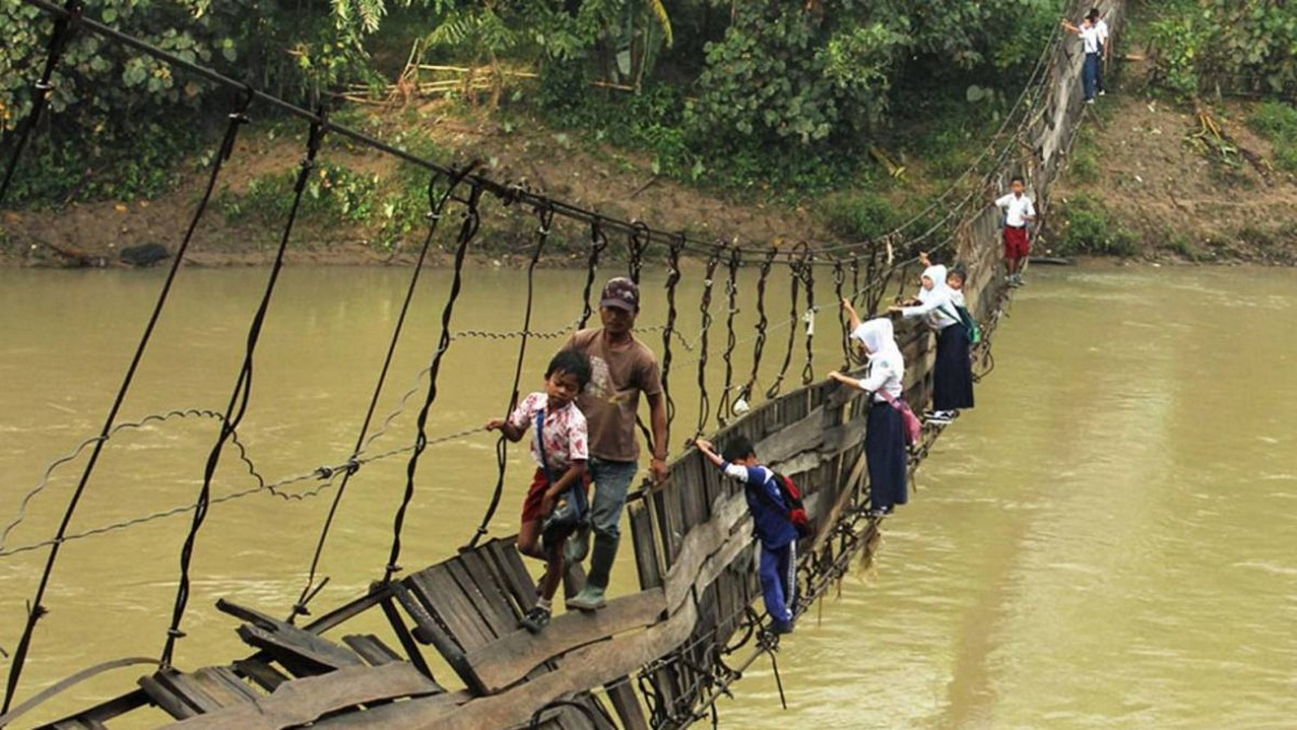 children-on-bridge-going-to-shool_mini