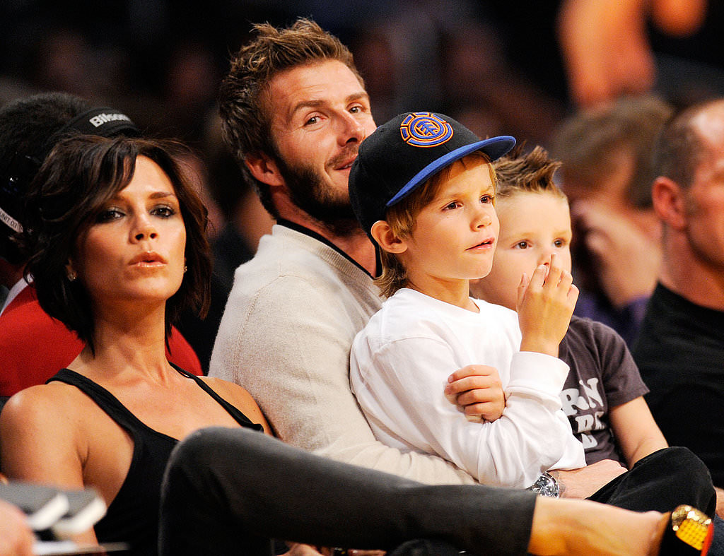 Victoria-Beckham-joined-David-Beckham-boys-Lakers-game_mini