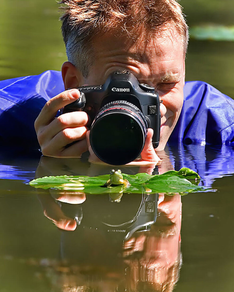 dedicated-photographers-12__700 (1)