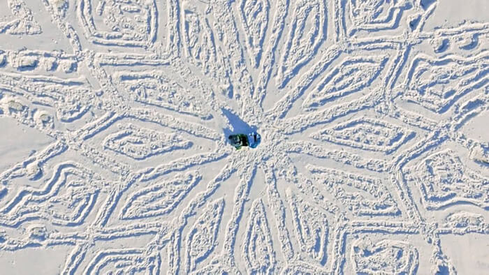 snow-dragon-land-art-siberia-simon-beck-drakony-9