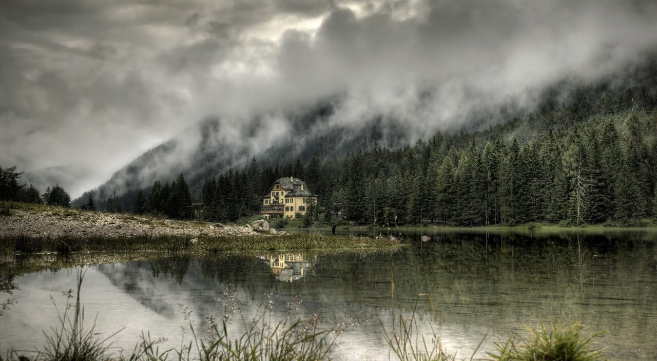 mountain_chalet-wallpaper-1280x720 (1)