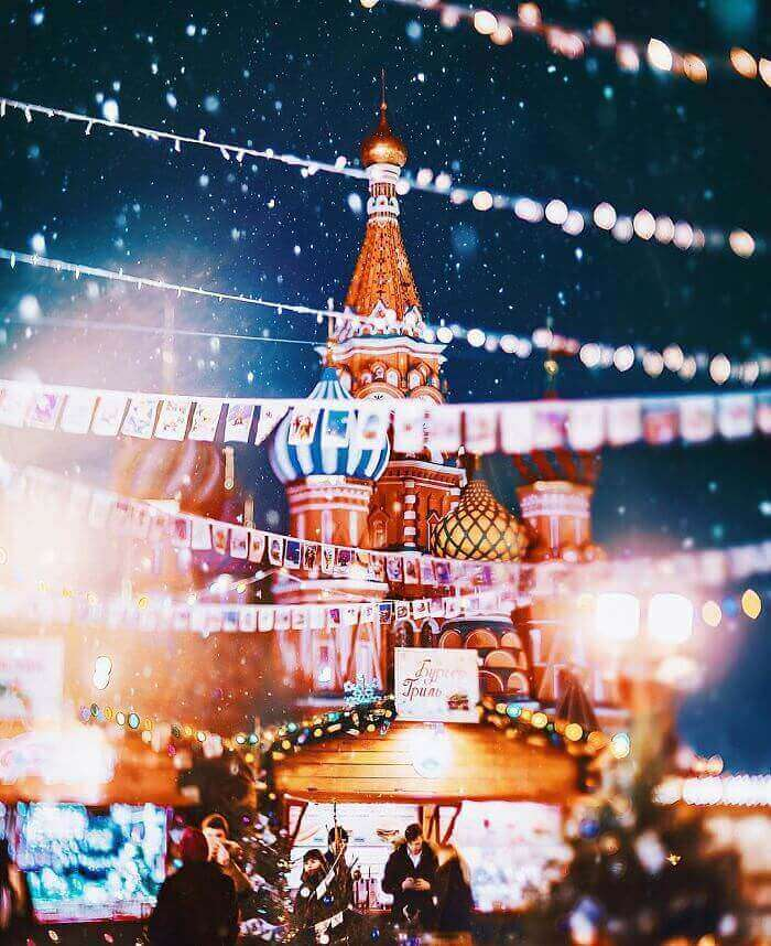 moscow-city-looked-like-a-fairytale-during-orthodox-christmas-13__700_mini