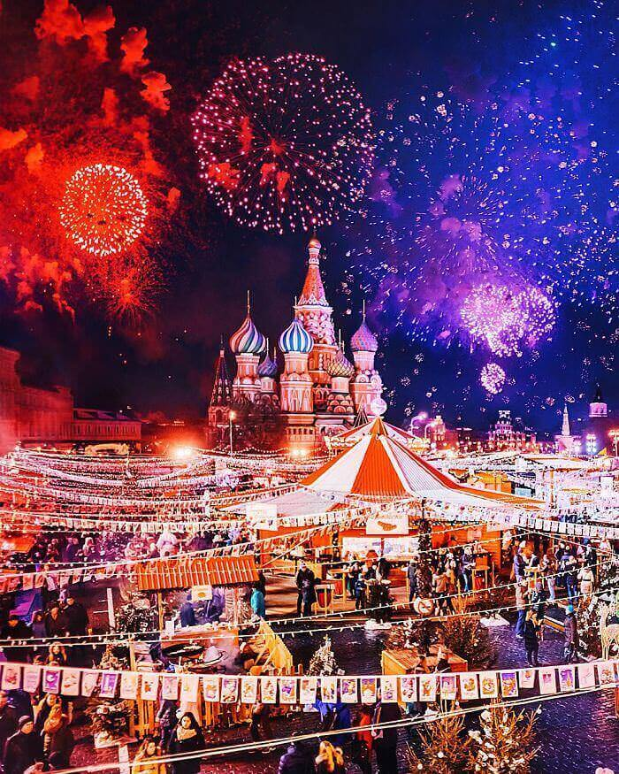 moscow-city-looked-like-a-fairytale-during-orthodox-christmas__700_mini_mini