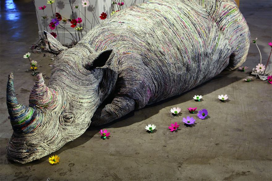 rolled-newspaper-animal-sculptures-paper-trails-chie-hitotsuyama-14