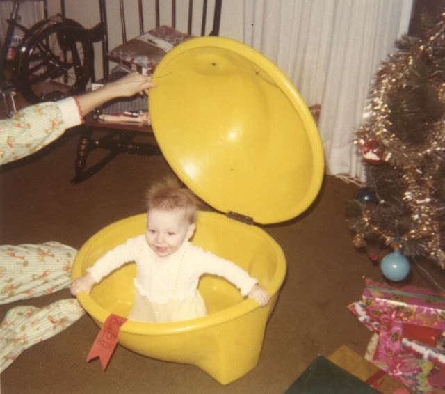 Lovely Vintage Photos of Babies with Their Christmas (1)