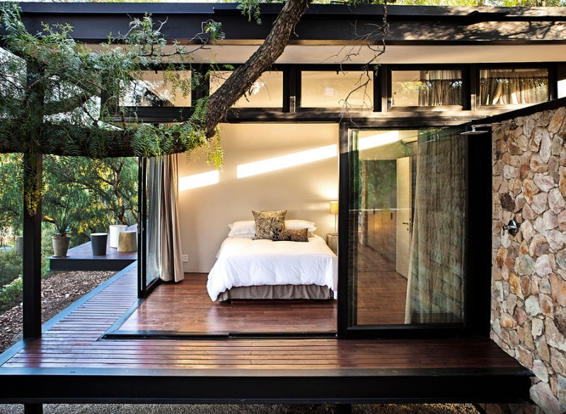 8379310-outdoor-shower-inspiration-next-to-bedroom10-1482483641-800-34940ac8ff-1483196013