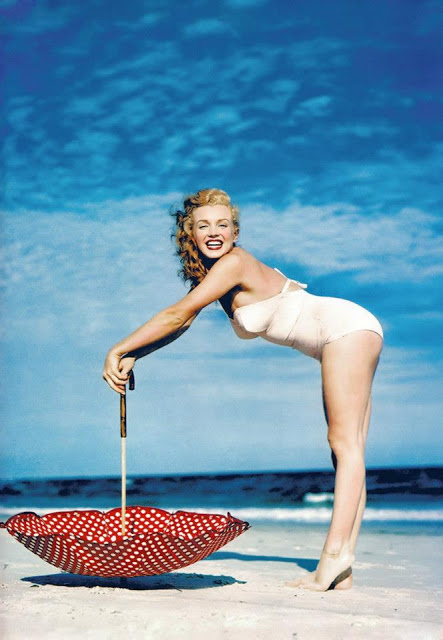 Beautiful Photographs of Marilyn Monroe by Andre de Dienes, 1949 (1)