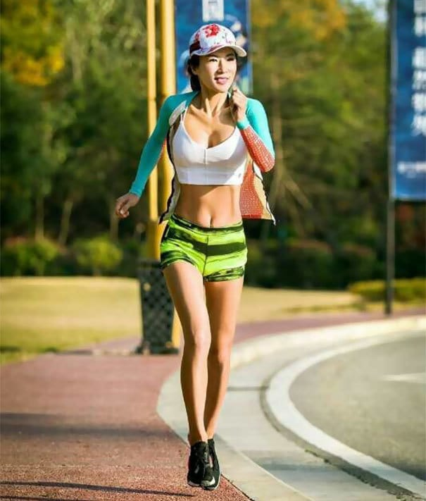 mother-looks-younger-liu-yelin-china-34