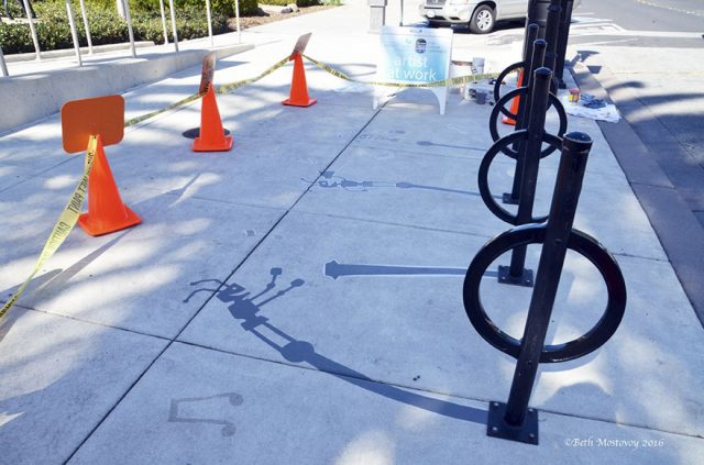 fake-shadow-street-art-damon-belanger-redwood-california-7-599bf272be75a__880
