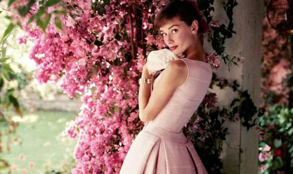 Audrey-hepburn-s-NAtional-Portrait-gallery-exhibition-543503