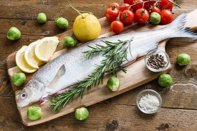 depositphotos_74112103-stock-photo-fresh-fish-with-vegetables-on