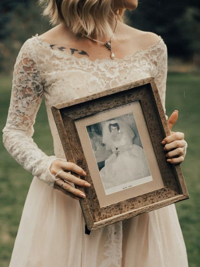 bride-wears-grandmother-old-wedding-1962-dress-penny-jensen-jordyn-cleverly-8