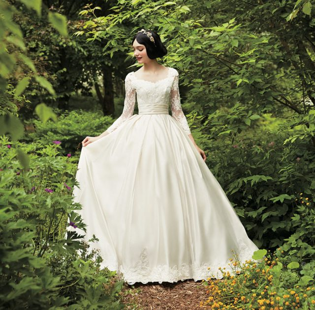 disney-wedding-dresses-kuraudia-co-7-59c4b2fabf886__880