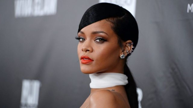 rihanna-launches-beauty-hair-styling-agency1