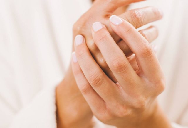 Tips-for-Strong-Healthy-Nails-1