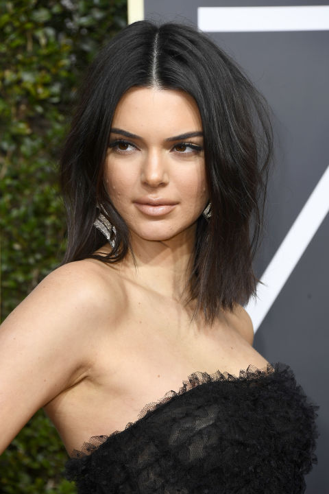 kendall-jenner-wore-a-nude-lip-and-messy-bob-to-golden-globes